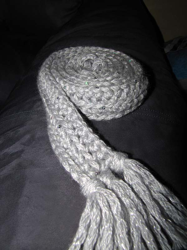 Free Pattern: 1 Hour + 1 Skein = 1 Spectacularly Sparkly Scarf ...
