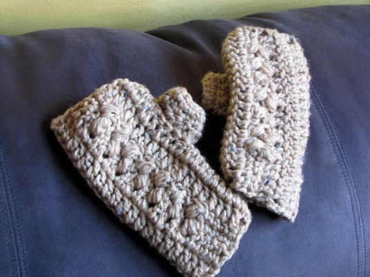 Woven Bobble Fingerless Gloves