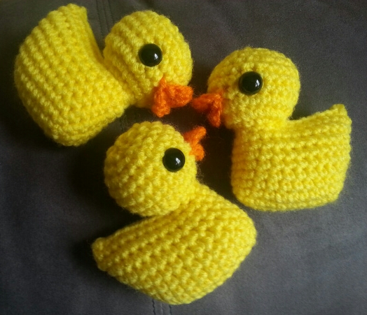 Easy step-by-step DIY tutorial how to crochet Yellow Rubber Duck ... | 451x524